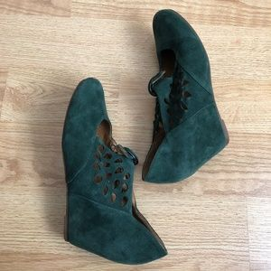 Jeffrey Campbell wedges green size 10M olive suede